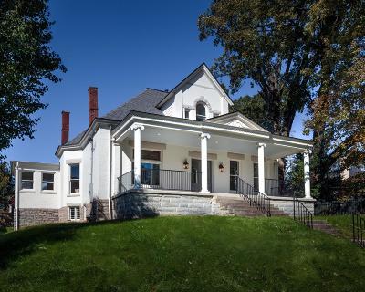 Single Family Home For Sale: 449 N Limestone Street