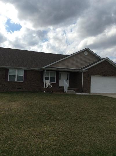 Lawrenceburg Single Family Home For Sale: 1036 Lanas Lane