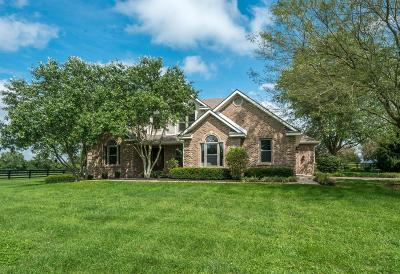 Anderson County, Fayette County, Franklin County, Henry County, Scott County, Shelby County, Woodford County Farm For Sale: 3574 Combs Ferry Road