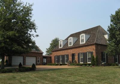 Lexington Single Family Home For Sale: 4151 Mt Horeb Pike