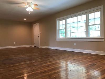 Williamsburg Single Family Home For Sale: 20 Hemlock Drive