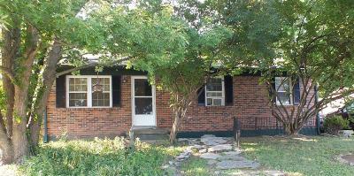 Nicholasville Single Family Home For Sale: 250 Williiamsburg Drive
