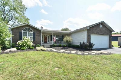 Lancaster Single Family Home For Sale: 834 Settlement Drive