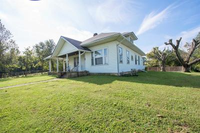 Single Family Home For Sale: 3165 Versailles Road