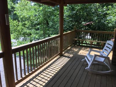 Anderson County, Fayette County, Franklin County, Henry County, Scott County, Shelby County, Woodford County Farm For Sale: 727 Botkins Lane