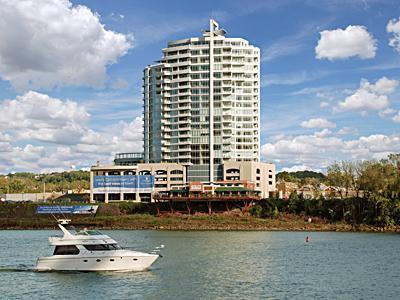 Newport Condo/Townhouse For Sale: 400 Riverboat Row #2100