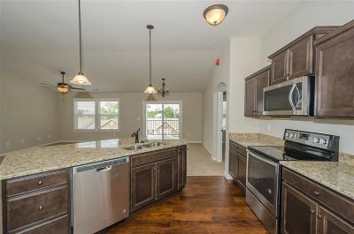 Burlington Condo/Townhouse For Sale: 2571 Paragon Mill Drive #25-301
