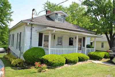 Owen County Single Family Home For Sale: 204 W Perry Street