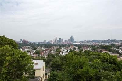 Newport Single Family Home For Sale: 79 Grandview Avenue