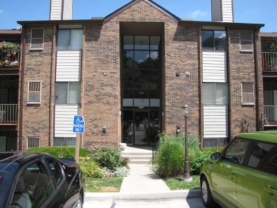 Campbell County Condo/Townhouse For Sale: 48 Woodland Hills #1