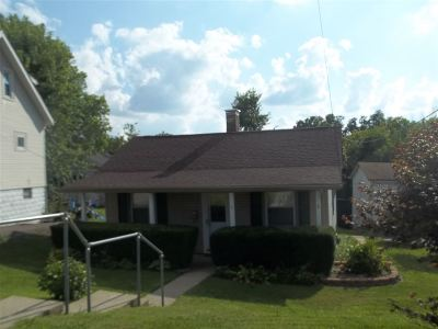 Campbell County Single Family Home For Sale: 44 Crestwood