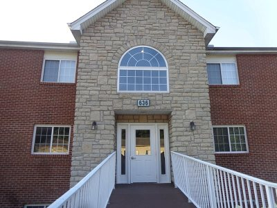 Condo/Townhouse Pending: 636 Friars Lane #5