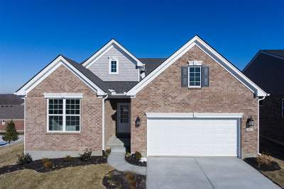 Erlanger Single Family Home For Sale: 902 Hawkshead Lane