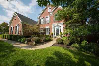 Boone County Single Family Home For Sale: 555 Savannah