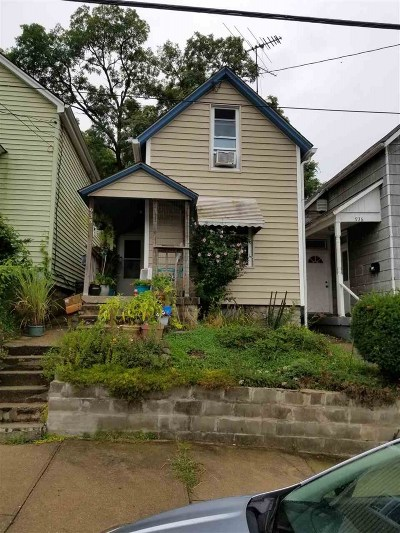 Dayton Single Family Home For Sale: 938 Maple