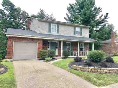 Highland Heights Single Family Home For Sale: 370 Knollwood Drive
