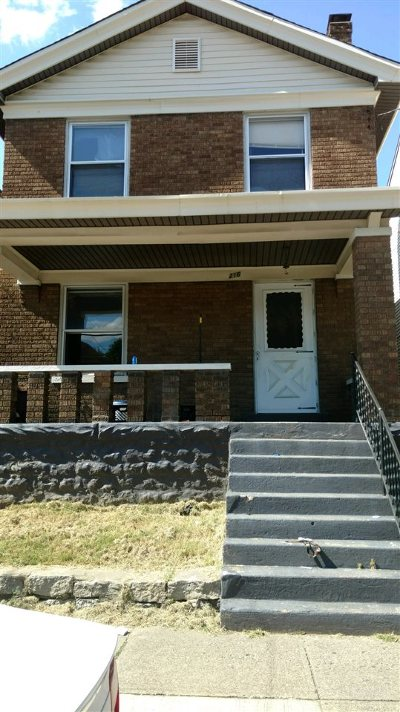 Kenton County Single Family Home For Sale: 216 W 15th Street