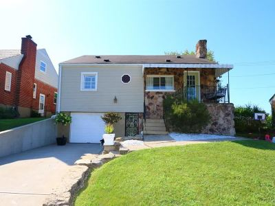 Newport Single Family Home For Sale: 104 W Broadway Street