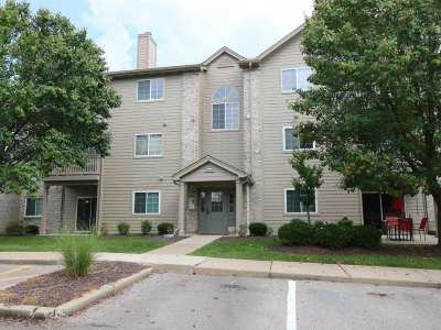 Burlington Condo/Townhouse For Sale: 2316 Sawmill Court #101