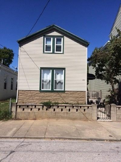 Bellevue Single Family Home For Sale: 219 Walnut Street