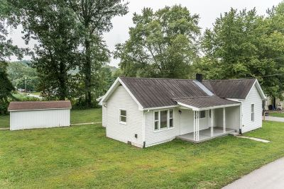 Gallatin County Single Family Home For Sale: 101 Grace Street