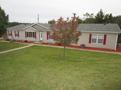 Pendleton County Single Family Home For Sale: 692 Barker Road