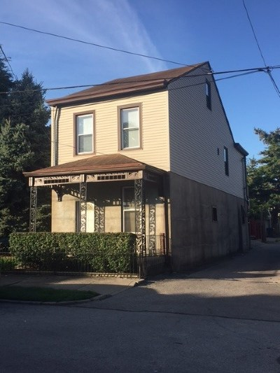 Dayton Single Family Home For Sale: 610 Berry
