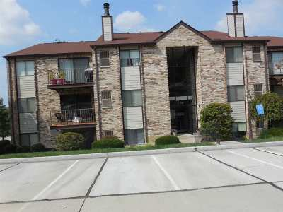 Campbell County Condo/Townhouse For Sale: 10 Woodland Hills #4