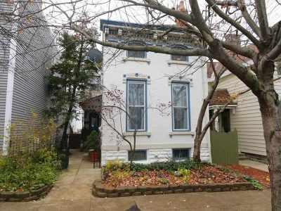 Newport Single Family Home For Sale: 922 Monroe Street