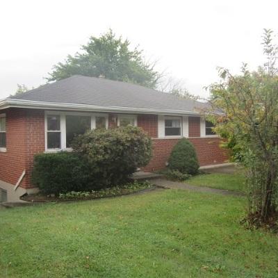 Erlanger Single Family Home For Sale: 678 Maple Tree Lane