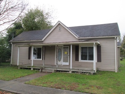 Carroll County Single Family Home For Sale: 38 N Maple