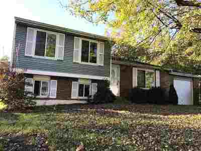Boone County Single Family Home For Sale: 3152 Featherstone Dr