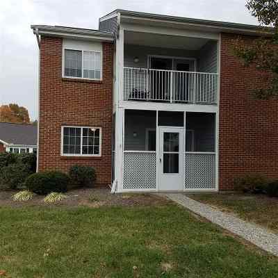 Erlanger Condo/Townhouse For Sale: 140 Pine Lake #1