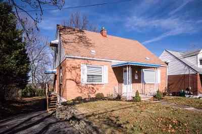 Newport Single Family Home For Sale: 51 E Ridge Place