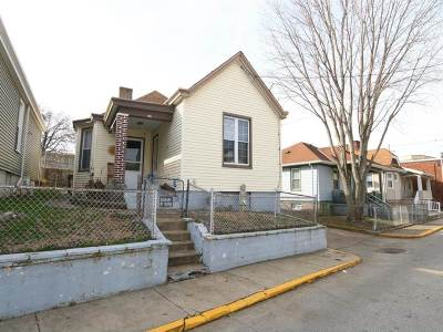 Dayton Single Family Home For Sale: 612 McKinney Street