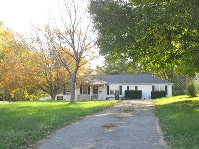 Boone County Single Family Home For Sale: 178 N Main