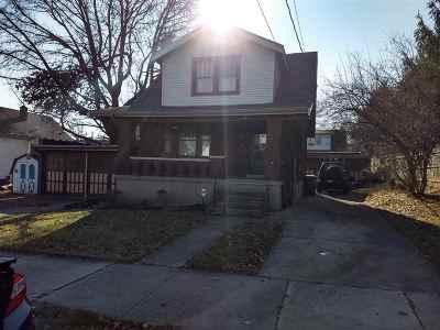 Single Family Home For Sale: 413 E 18th