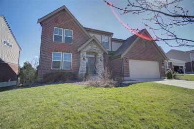 Alexandria Single Family Home For Sale: 664 Talus Way