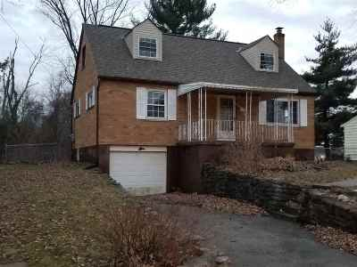 Boone County Single Family Home For Sale: 2824 Coral Drive