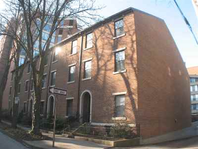 Kenton County Condo/Townhouse For Sale: 214 E 2nd Street #B