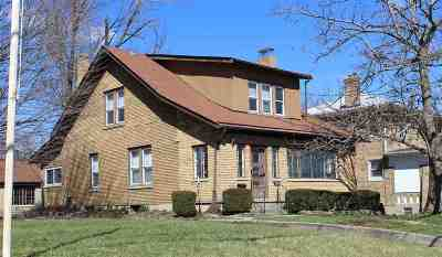 Boone County Single Family Home For Sale: 222 Main Street