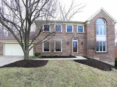 Crescent Springs Single Family Home For Sale: 735 Foresthill Drive
