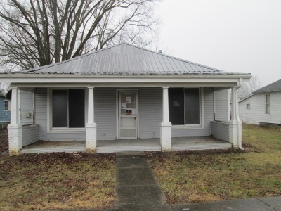 Carroll County Single Family Home For Sale: 118 S Maple Street