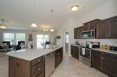 Burlington Condo/Townhouse For Sale: 2635 Paragon Mill Drive #24-301