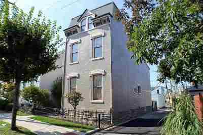 Newport Single Family Home For Sale: 912 Monroe Street