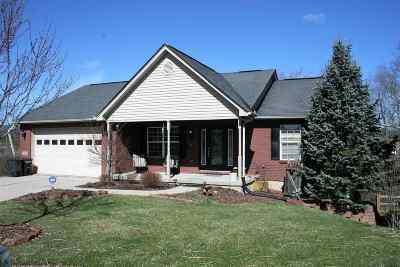Single Family Home Sold: 3296 Mitchell