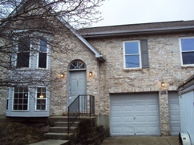Erlanger Single Family Home For Sale: 1556 Clovernook