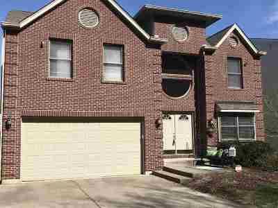 Single Family Home For Sale: 626 Pointe Benton