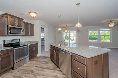 Burlington Condo/Townhouse For Sale: 2679 Paragon Mill Drive #24-104