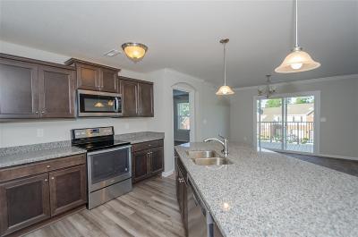 Burlington Condo/Townhouse For Sale: 2683 Paragon Mill Drive #24-204